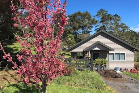Orchard Cottage - 오클랜드 - 게스트하우스