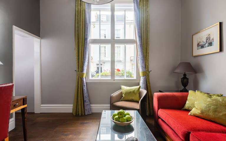 Contemporary 1 Bed in Westminster