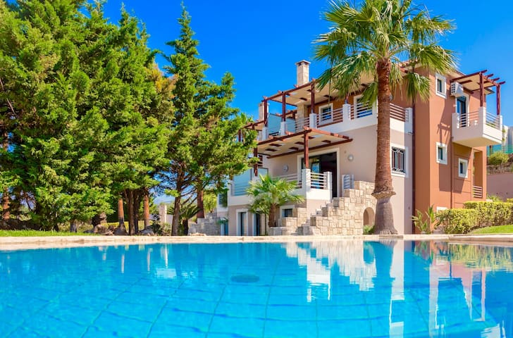 Luxury Villa Myrtia with private swimming pool