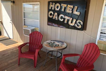 Cactus Inn