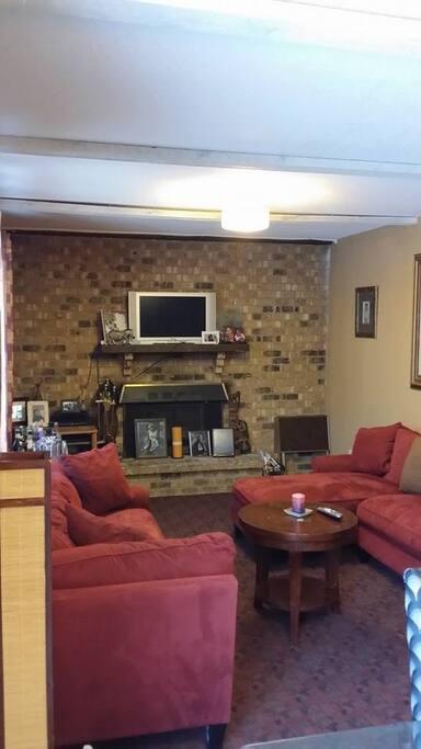 Main floor Family Rm