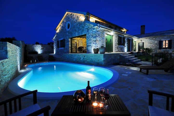 Villa Asseria - Lisičić - Villa