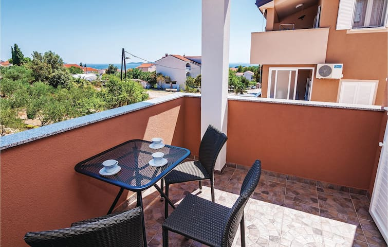 Holiday apartment with 2 bedrooms on 55 m² CDA342