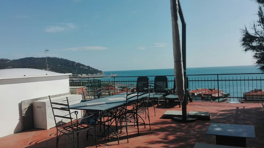 Sea View Apartment - Andora - Marina di Andora - Apartemen