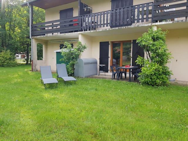 Appart rez de jardin, terrasse, indépendant, lac