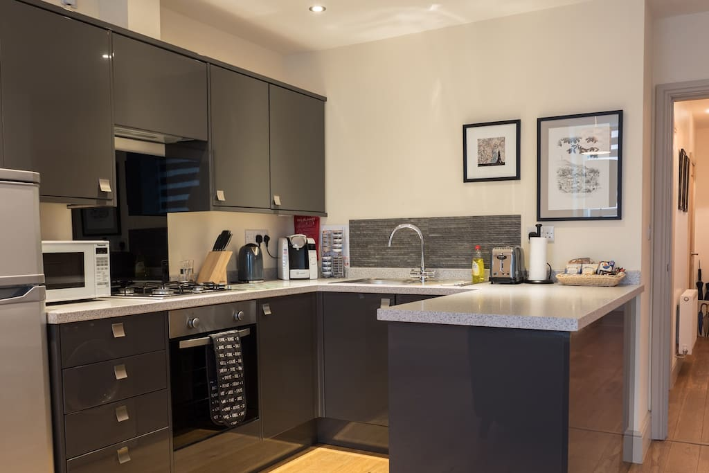 Fully equipped fitted kitchen.