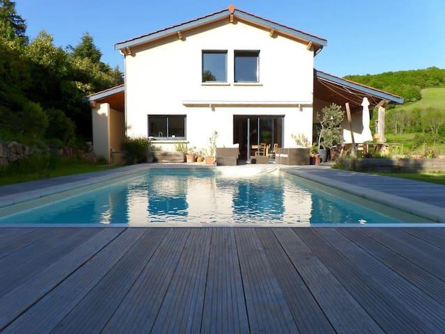 Private room in Villa near Lyon