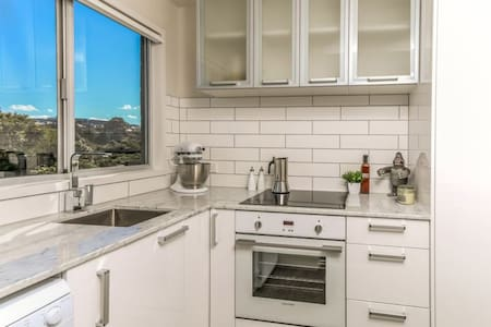 New boutique kingsland apartment walk to Eden Park - Auckland - Apartamento