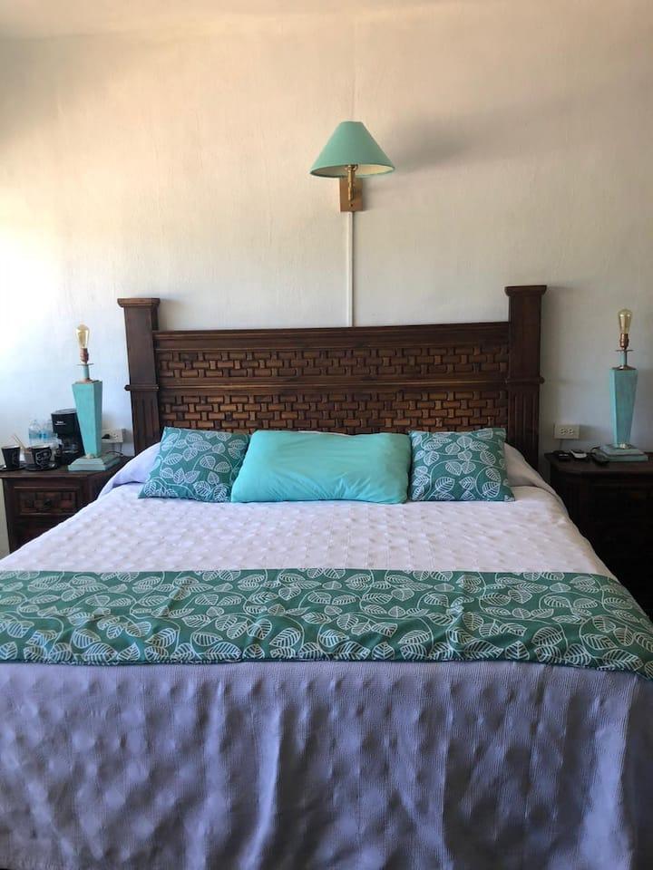 Hermosa habitación, villa Villaggio, Punta de mita