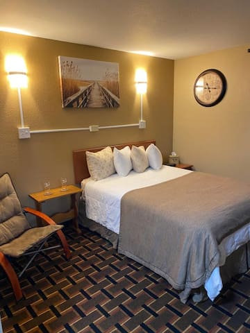 Spacious room and excellent service!