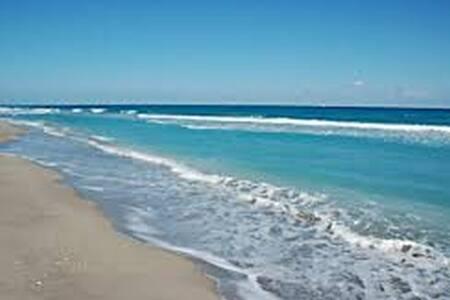 Jupiter Serenity Beach Resort - Jupiter