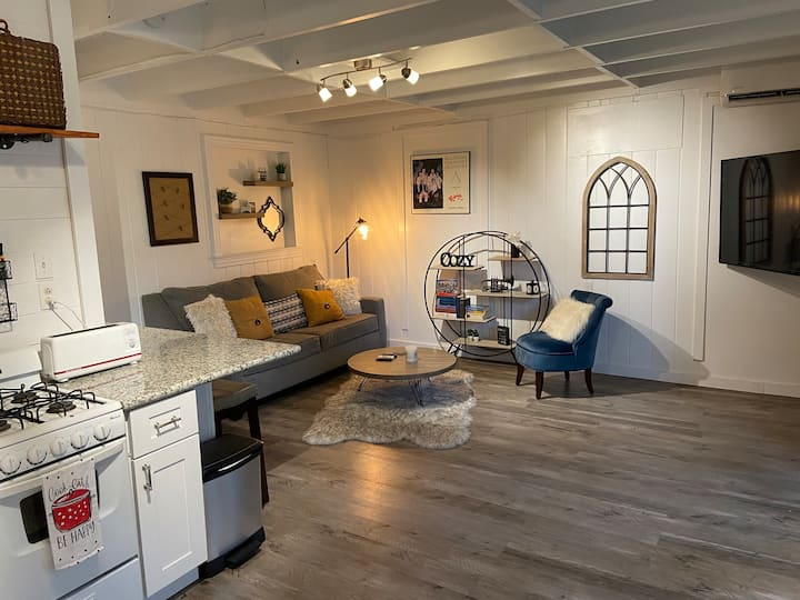 Adorable Saint Streets Apartment (Duplex)