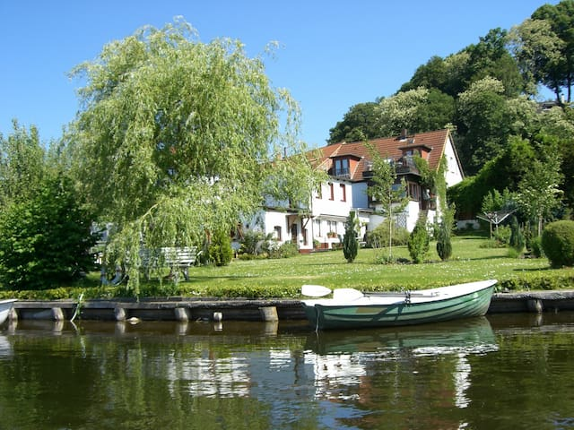 Paradies am See - Mölln - Guesthouse