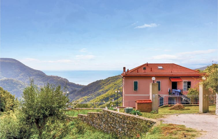 Nice home in Localita´Bracco (GE) with WiFi and 3 Bedrooms