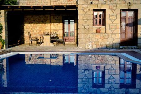 Οlympia Villas, Villa Nikolaos - Stoupa