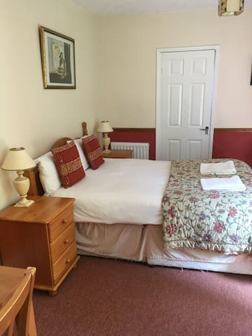 Self contained Studio. - Stafford - Serviced apartment