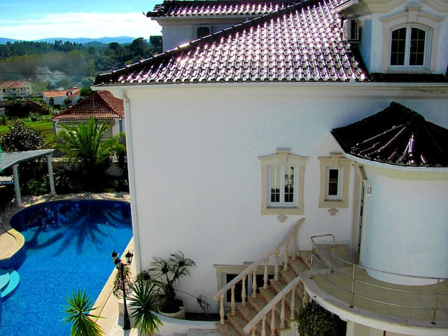2 Bedroom Penthouse at Villa ☆☆☆☆☆(5-8 Guests)