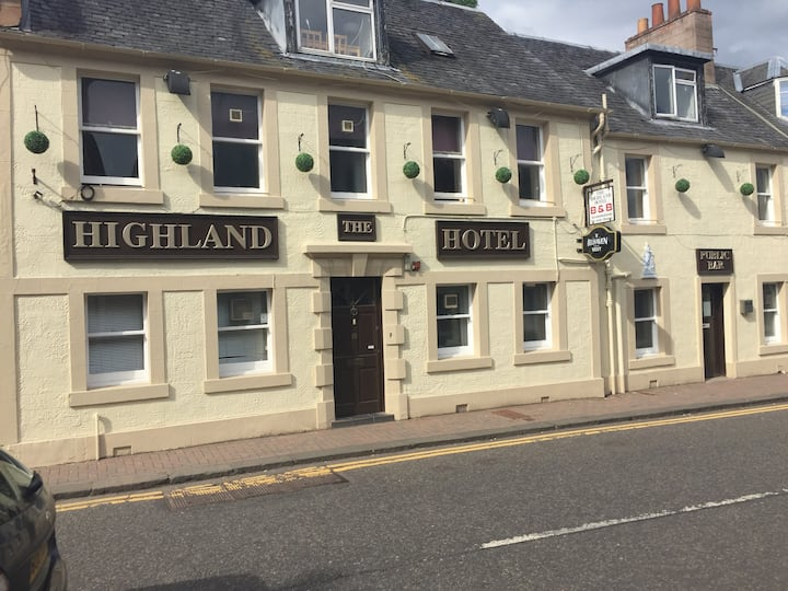 The highland hotel (single room)