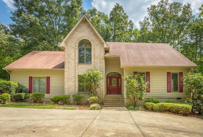 STONE BROOK~Upscale 5 KINGS  8 sngl - Lookout Mountain - House