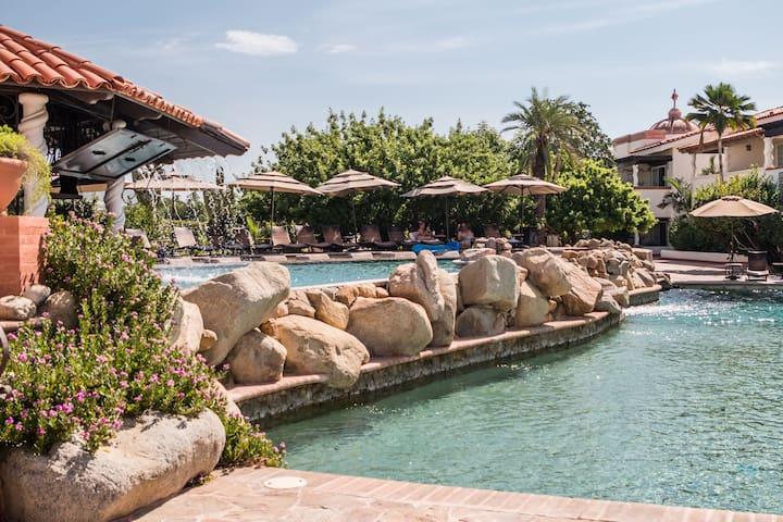 Tropical Villa + Pool + Gym