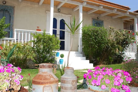 2 Studio Rooms - Great Location w Private BIG POOL - Beit Oved