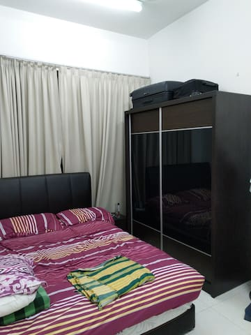 Tropics 3 Damansara, Master bedroom + WiFi