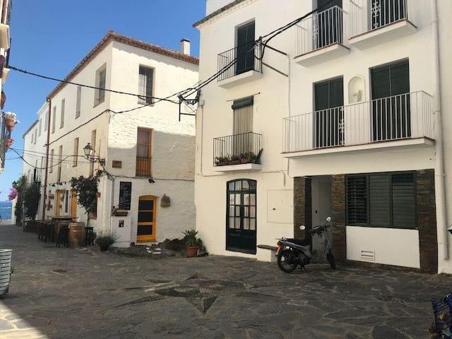 101.116-Apartment in La plaça de l'Estrella, old village.