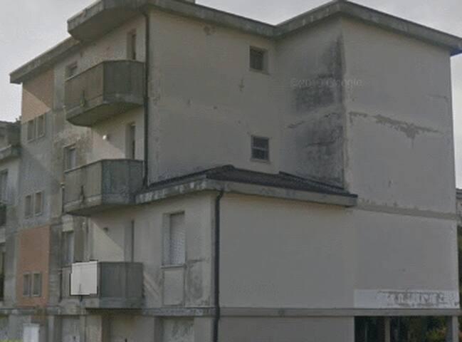 Mini casa con una stanza privata