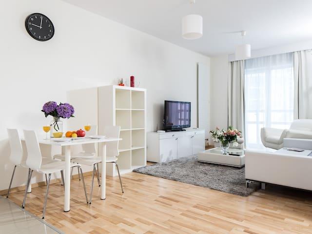Platinum Towers Apartments Studio