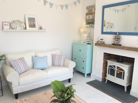 Daisy Beach House is your seaside dream house!
