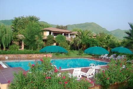 Villa melissa - casa per le vacanze - 7km dal mare - Jerzu - House
