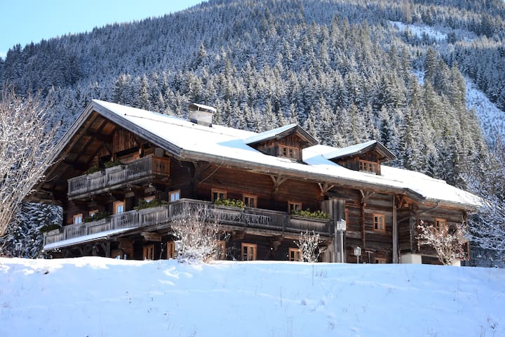 ★ Self-Catering Chalet in Natur mit Spa + Lounge ★