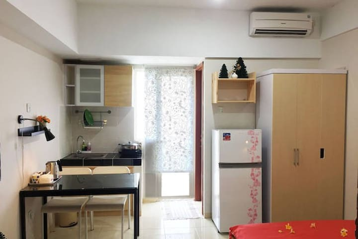 Oneroom for 2 people (Green Lake View Apartment) - Ciputat - Appartement