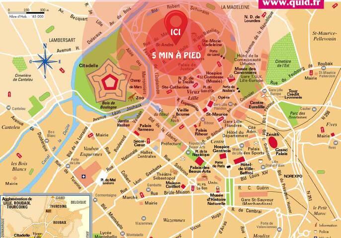 En plein coeur du vieux Lille, à 10 minutes à pied de la Grand Place