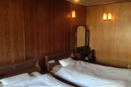 Easy access to Naoshima:Simple bed - Tamano - 一軒家
