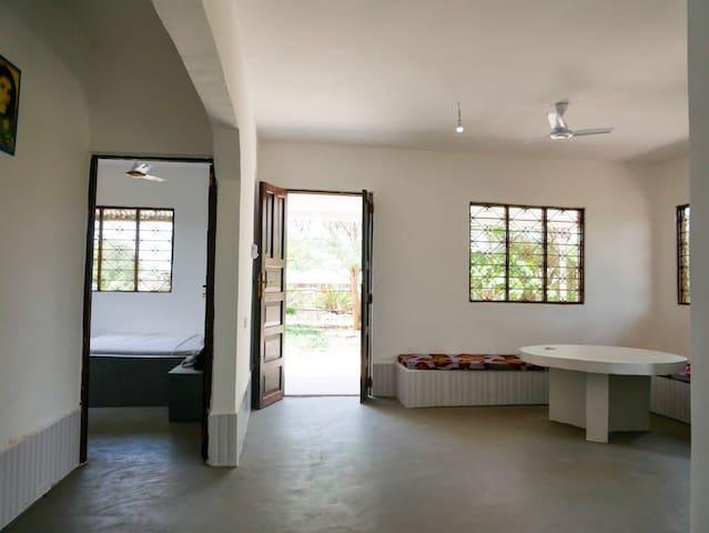 1 Bedroom w/ shared bath @PolePole House Kiwengwa