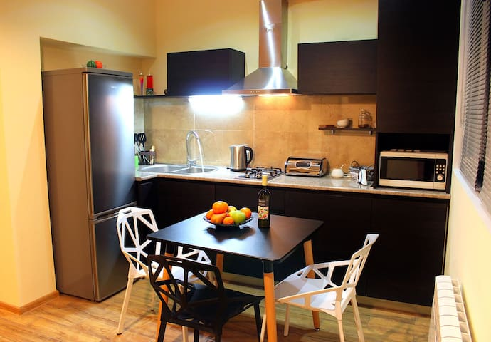 Yango Apartment; 2 BR; centre of Tbilisi