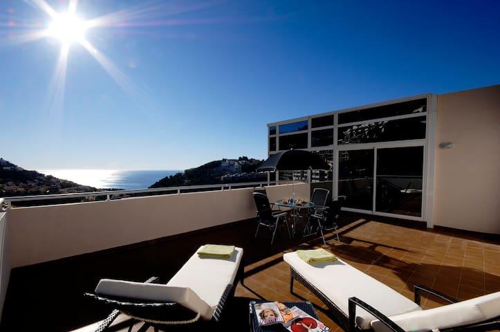 El Cielo - Luxury Penthouse with Sea Views