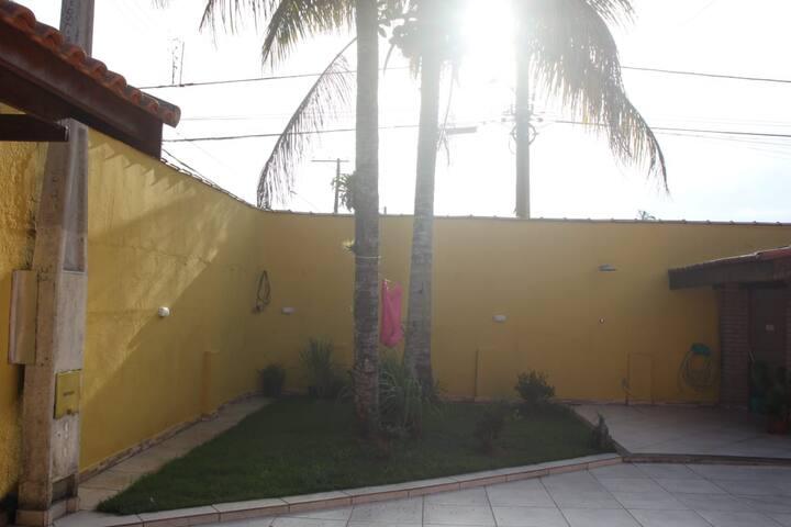 Casa linda e aconchegante na Praia de Boraceia