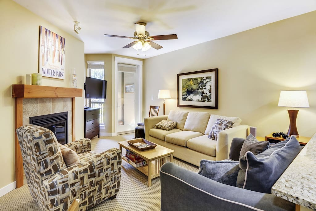 """Living Room with Fireplace and 55"""" Smart TV HBO and Netflix provided"""