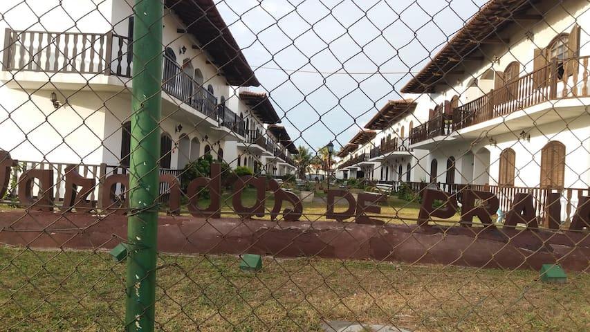 MELHOR LOCALIZAÇÃO DE PRAIA SECA - Araruama - Apartament