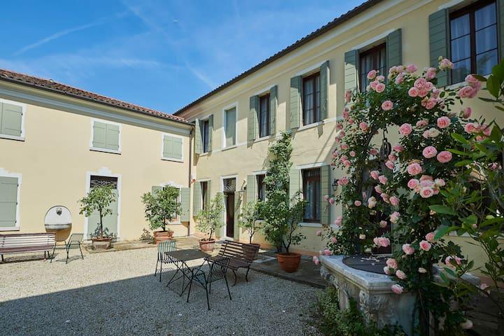 Villa Cometti: ancient Venetian villa near Venice