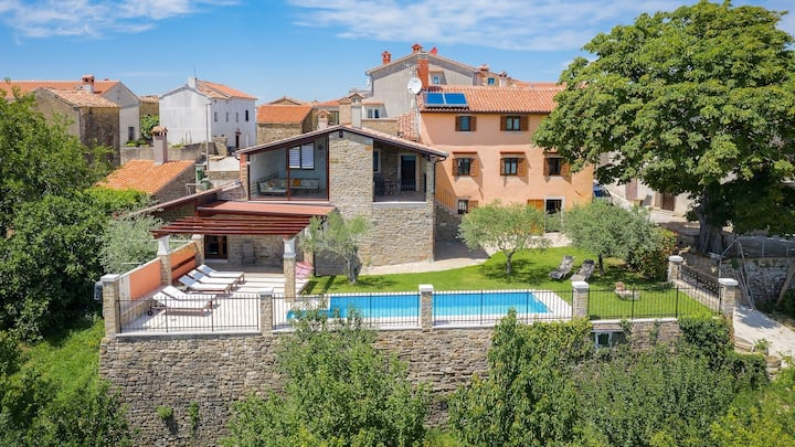 Stone villa Zamask with a pool and a lovely view / Stone villa Zamask with a pool and a lovely view
