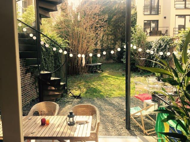 Sunny flat & big garden in Ixelles - Ixelles - Byt