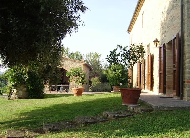 VILLA FOR FAMILIES AND GROUPS PISA2
