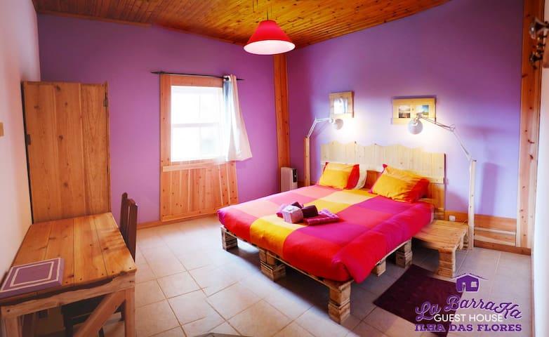 A Barraka Violet Room