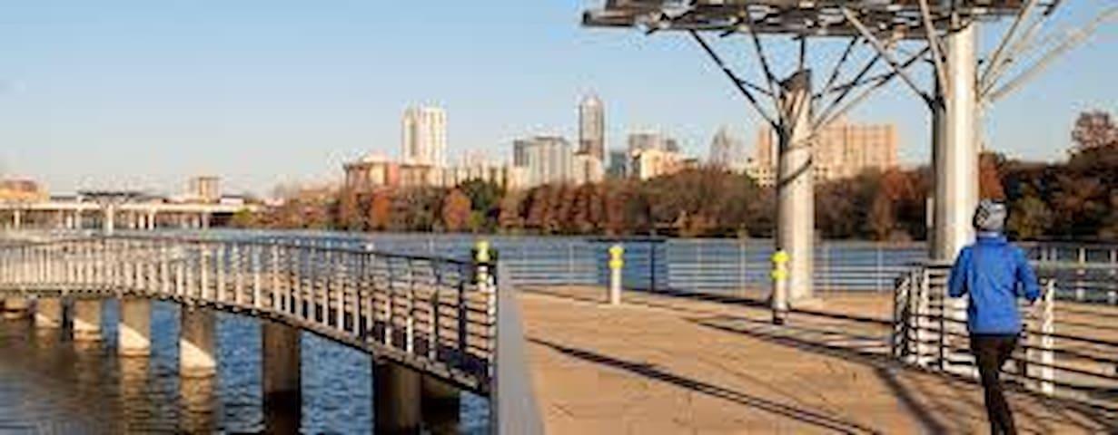 Conveniently located 2 Bdrm/ 2 Bath apartment! - Austin - Appartamento