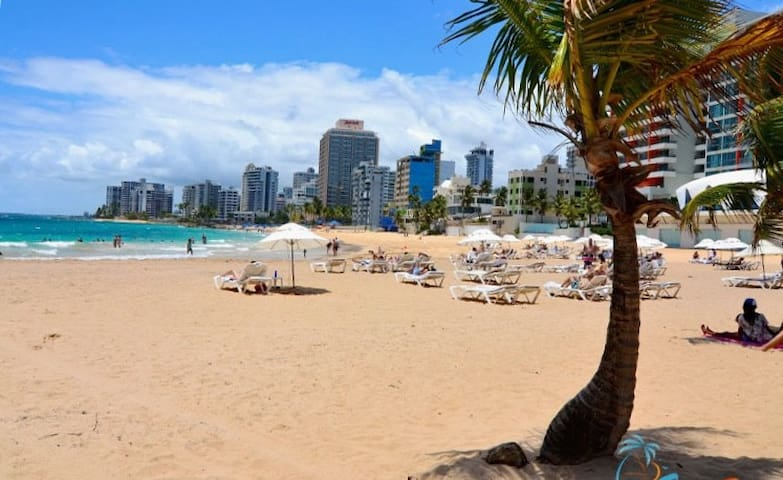 Gorgeous Condado beach, just a 9 minutes walk!