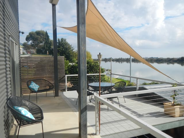 Washpool Retreat-Waterfront Living - Tailem Bend  - Dům