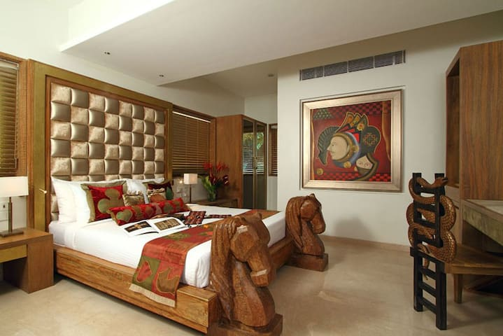 Dyuutya - the royal private bedroom - Mumbai - Boutique hotel